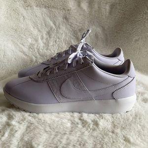 NWOT Nike sneakers in lilac